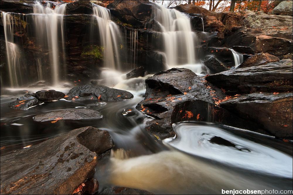 IMAGE: http://benjacobsenphoto.com/blog/wp-content/gallery/2011-calendar/oct-31.jpg