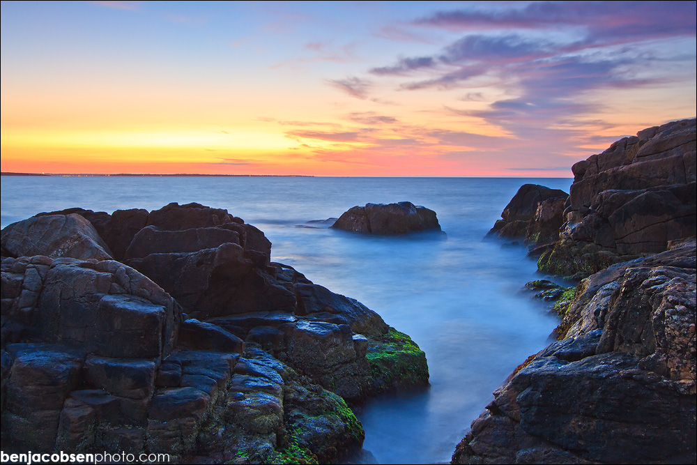 IMAGE: http://benjacobsenphoto.com/blog/wp-content/gallery/asian-lotus/img_4232.jpg