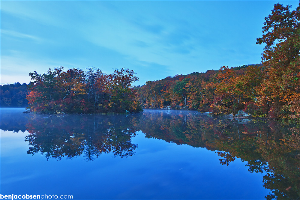 IMAGE: http://benjacobsenphoto.com/blog/wp-content/gallery/green-falls-pond-10-20-2010/canon-eos-7dimg_8230.jpg