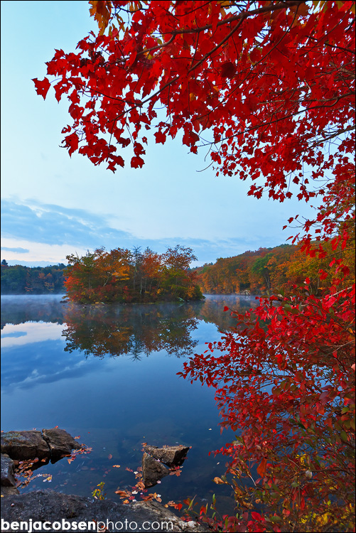 IMAGE: http://benjacobsenphoto.com/blog/wp-content/gallery/green-falls-pond-10-20-2010/canon-eos-7dimg_8247.jpg